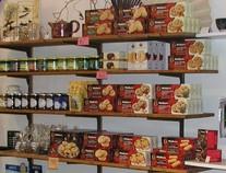 Marmeladen, Honig und Kekse